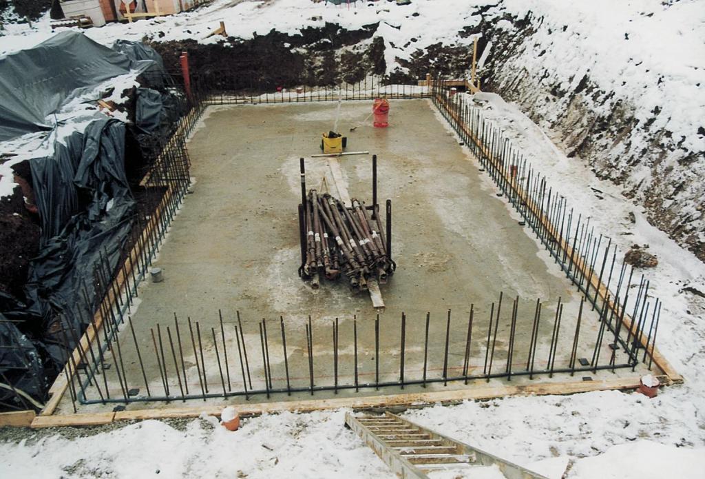 Masterstop schwarz Baustellenbild Sohle-Wand Anschluss (PL2018 S. 12 Mitte links)